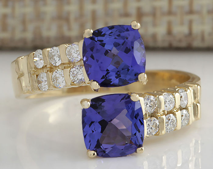 carat tanzanite and diamond ring in 14k solid yellow. Black Bedroom Furniture Sets. Home Design Ideas