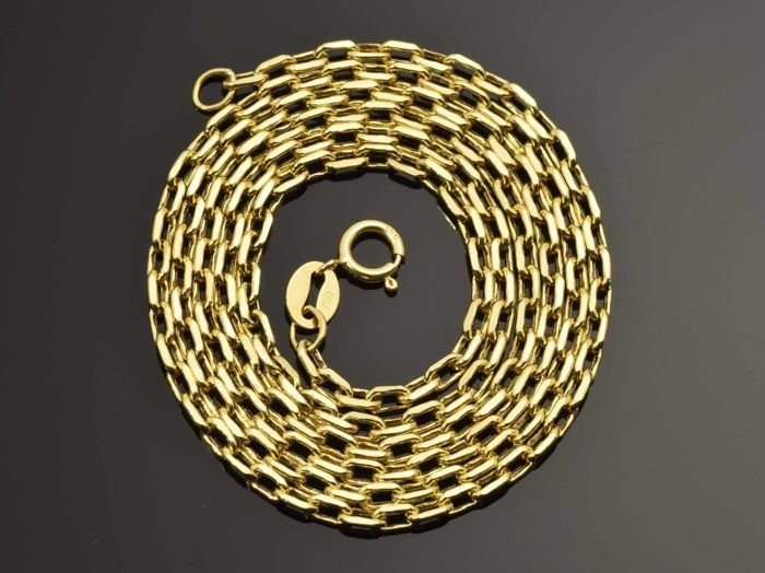 18k Gold Necklace. Chain - 50 cm. Weight 3 g. No reserve price.
