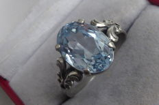 Antique silver ring in Art Deco style with light blue stone - ring size 20.5 mm