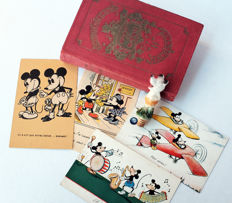 Disney, Walt - 6 items - Book + 4 Postcards + Bottle Top - Mickey Mouse (1930's)