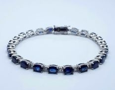14/585 Ct White Gold Bracelet  Tennis With Sapphire and Diamonds, Sap:14.40 Ct, Diam. :0.60 Ct, Length 18.5cm, Total Weight: 14.50g *** LOW RESERVE***
