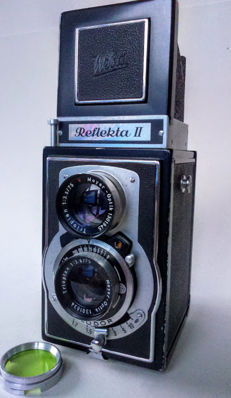 Reflekta II TLR camera with Meyer-Optik Trioplan 1:3 - 5/75 lenses