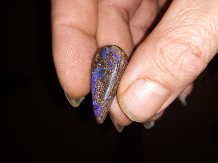 Boulder opal - Queensland - 3.4 x 1.4 x 0.7 cm - 31.1 ct