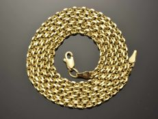 "18k Gold Necklace. Chain ""Cable Brill"" - 55 cm. Weight 6.54 g. No reserve price."