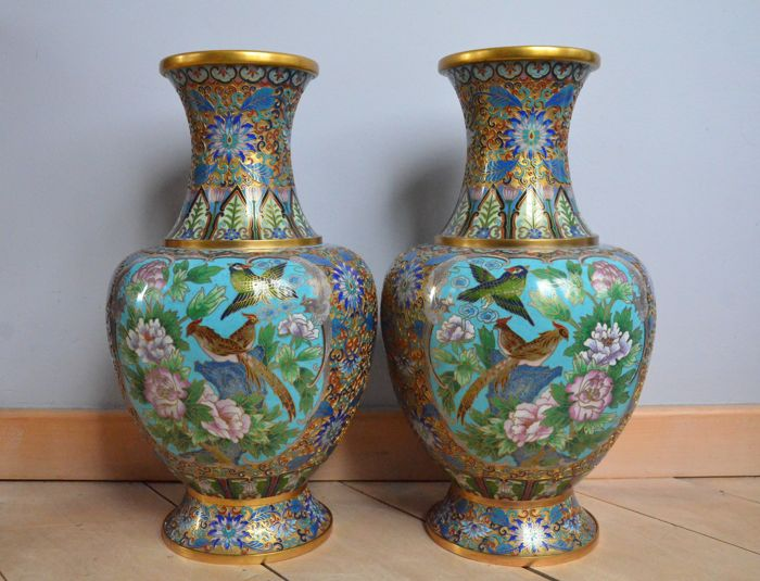 A large pair of champlevé vases - China - 2nd half of the 20th century