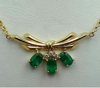 14 Ct Yellow Gold Necklace With Emerald & Diamonds, Length 45cm, total weight 4.80g