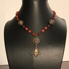 Vintage coral necklace in silver and amber