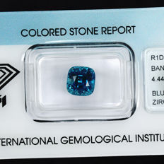 Blue Zircon - 4.44 ct