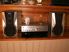 Great Hi-Fi set by SONY: AMPLIFIER TA-343, CD PLAYER CDP-515 and SPEAKERS SS-RX707