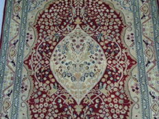 Pakistan carpet, 203 x 135 cm
