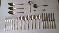 Christofle, Paris– 24-pieced silver plated cutlery – Model Versailles