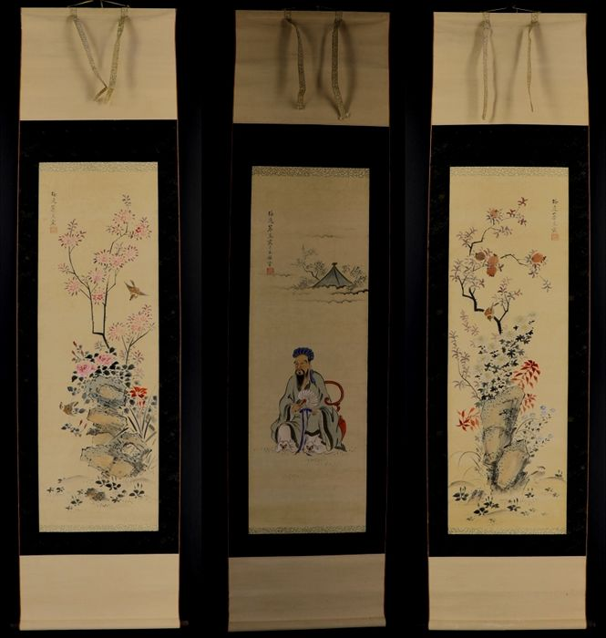 "Set of three scroll paintings ""Chinese scholar, rocks, flowers and birds"" signed Baiitsu Yamamoto - Japan - early 19th century"