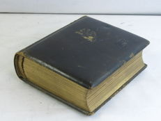 Old PHOTO ALBUM, from France, with 29 portrait photos in 6x9cm carte de visite format.circa 1890