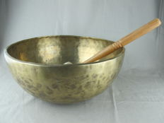 Large singing bowl - Tibet - last qaurter 20th century