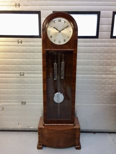 Art Deco Standing clock with percussion on gong - Amsterdam School