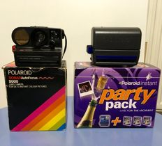 POLAROID 2x (1x instant 'party pack' 1x Sonar Auto Focus)