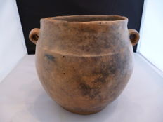 Earthenware urn from the bronze age period - diameter 160 mm