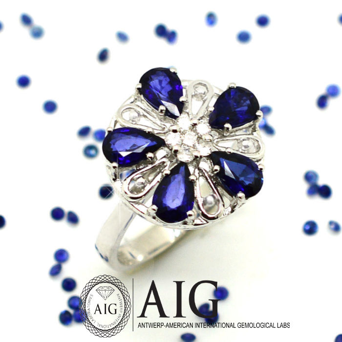 Certified: 18kt cocktail ring with sapphires & diamonds, 2.37 ct --- No Reserve Price !!!