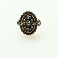 Gold ring, 800 gold (19.2kt) and silver, inlaid with 20 diamonds