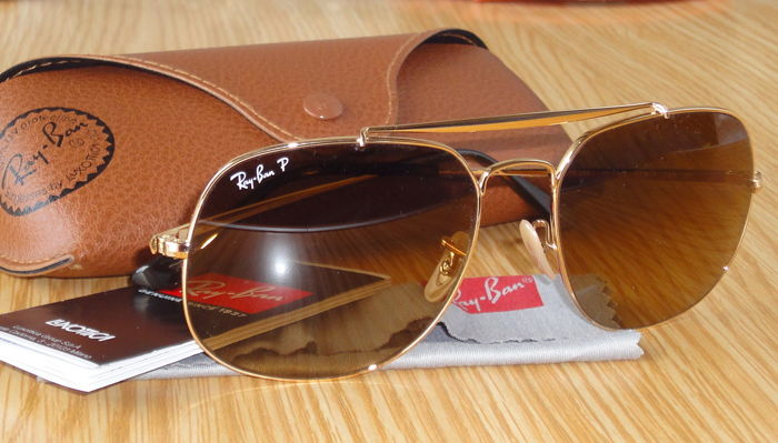 5c08d7d090b Ray-Ban P –