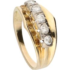 14 kt - Yellow gold ring set with 7 brilliant cut diamonds of approx. 0.35 ct in total in a white gold setting - Ring size: 19 mm