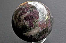 High quality Garnet sphere from India - 9 cm - 1156 gm