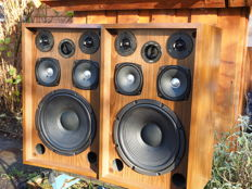 Kenwood KL-555 D Speakers:  1976 Vintage 3-way system with 5 units
