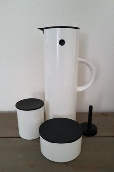 Stelton – Erik Magnussen – Thermos flask 1 litre – Milk jug – Sugar pot – Tilt cork.