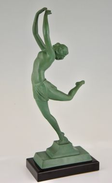 Art Deco sculpture of a dancer, green patina on a black marble base