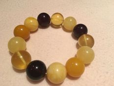 Multi-color Baltic amber beads bracelet, cherry, butterscotch, egg yolk and gold - No reserve price