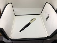 Montblanc Greta Garbo fountain pen