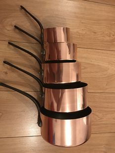Set of 5 copper pans