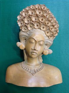 Wood carved bust of a woman –Bali –Indonesia