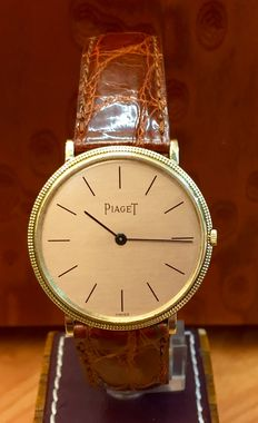 Piaget – Super slim vintage watch for men, in gold – 1975