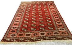 Beautiful Bokhara carpet Tukenistan 287 x 190cm, end of the 20th century
