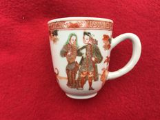 Iron red, European couple  'Governor Duff' cup - China - ca. 1725 ( Yongzheng period )