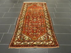 Antique hand-knotted Persian carpet, real Malayer rug, finest wool on cotton, plant dyes, 110 x 200 cm, made in Iran around 1960, excellent