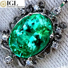 Fine Green 2.93 ct Natural Colombian Emerald And Diamond Necklace with Pendant in 18 kt White Gold – IGL Certified – No Reserve