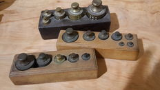 A lot of 3 blocks with brass weights - calibrated - the Netherlands - ca. 1900