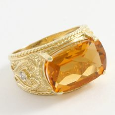 14kt Yellow Gold Ring  Set with Citrine and Diamonds