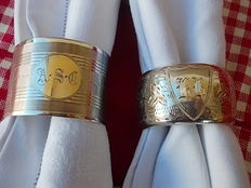 Lot of two British silver napkin rings, 1902-1928