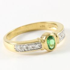 Estate 18kt Yellow Gold Ring  Set with Diamonds and Emerald