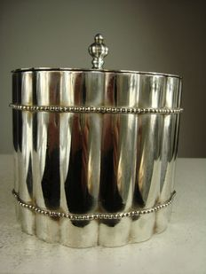 Silver plated waste bin for on a table, France, 20th century
