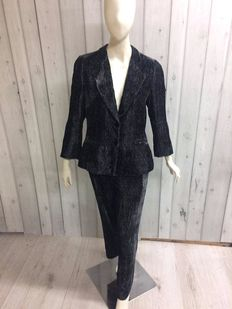 Armani Collezioni – Jacket and trouser suit