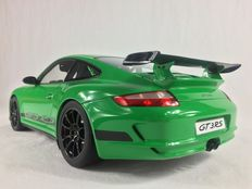 AUTOart - Scale 1/12- Porsche 911 ( 997 ) GT3 RS - Green with black stripes