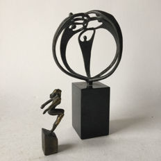 Corry Ammerlaan van Niekerk - 2 bronze-plated sculptures