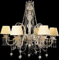 Maria Theresa style chandelier with 31% lead crystal glass pendants - new and recently manufactured