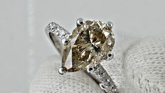 IGL 2.52 ct pear shape diamond ring in 14 kt white gold
