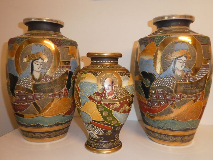 Three Satsuma Vases With Marks Japan Mid 20th Centur Catawiki