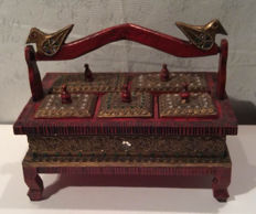Beautiful 5-compartment Asian wooden jewellery box.